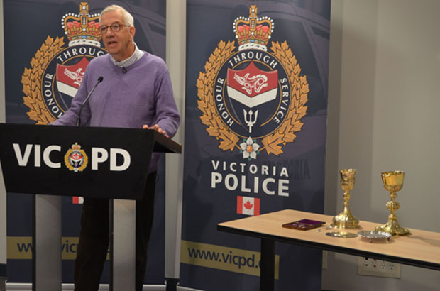 Stolen artifacts returned to Victoria cathedral