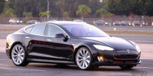 Watch: Tesla's New D Series D-livers the Autopilot