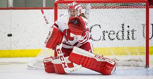 Wisconsin Badgers goaltender Ann-Renée