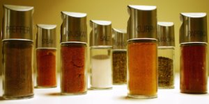 spices, spice shakers