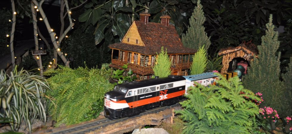 Top Holiday Attractions: Light & Train Displays
