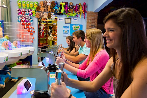 iPlay America bring the shore to you: enjoy new and traditional boardwalk games right here in Freehold, NJ!