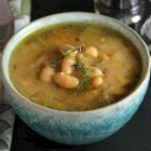 White bean and leek soup