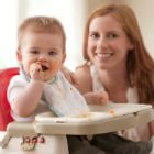 Canadian guidelines recommend meats as baby's first solid food