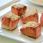 Sesame salmon bites