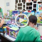 ParentsCanada hosts a toy testing event at SickKids