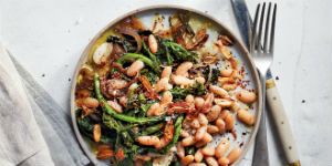 plate of beans and broccoli