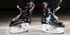 Source For Sports | Source Exclusive Bauer Vapor Skates