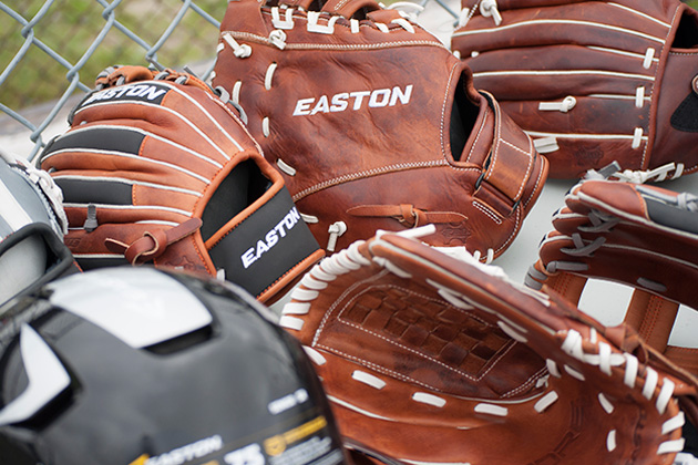 How to Choose the Right Baseball or Softball Glove