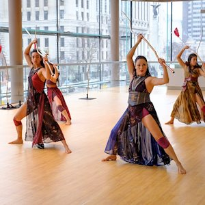 Kaha:wi Dance Theatre, photo: Chris Hutcheson