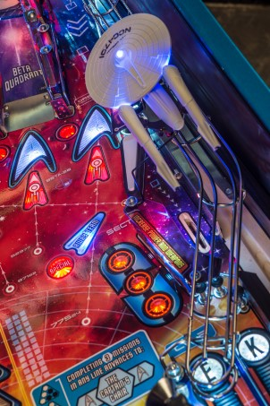 STAR TREK PREMIUM PINBALL Image - Click To Enlarge