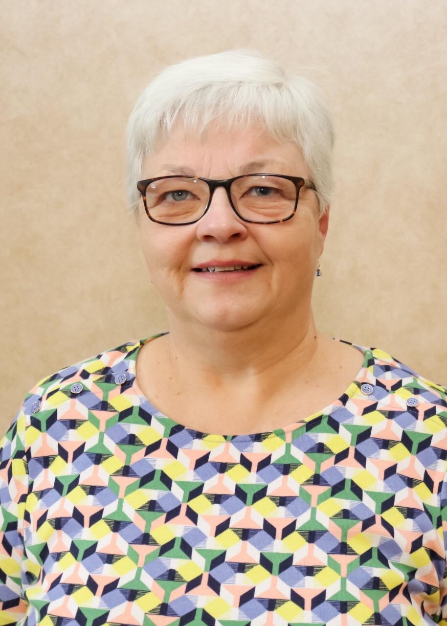 Lynn Burns - Office Manager