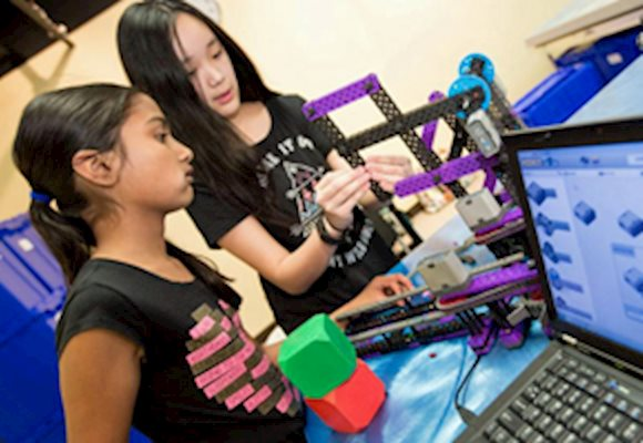 Bring STEM to Life with Robotics Classes this Fall at Robot Revolution