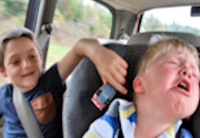 Addressing Sibling Aggression: How to Help Your Kids Play Peacefully