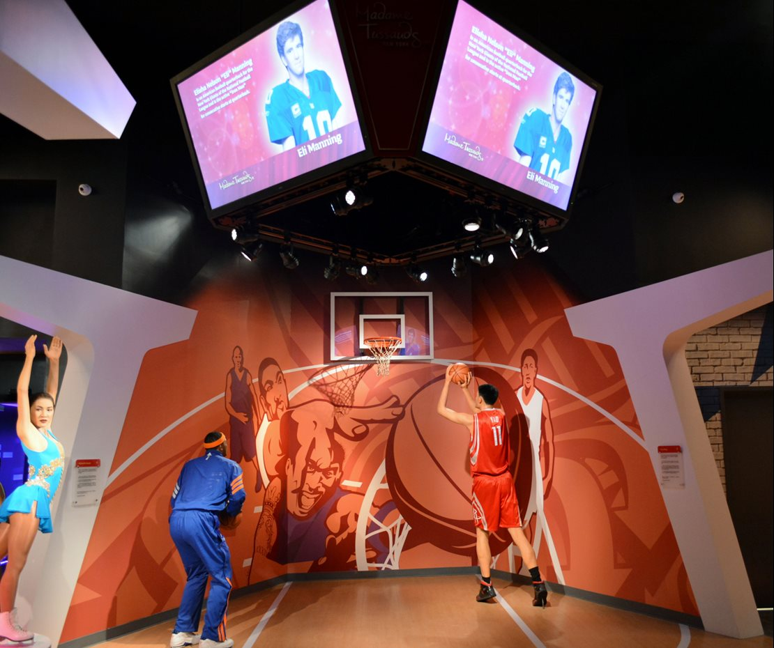 Challenge Carmelo Anthony on the court, box with Evander Holyfield, pitch to Derek Jeter or call a play with Eli Manning in Sports Zone. See how you measure up to some of the biggest legends in sports history!