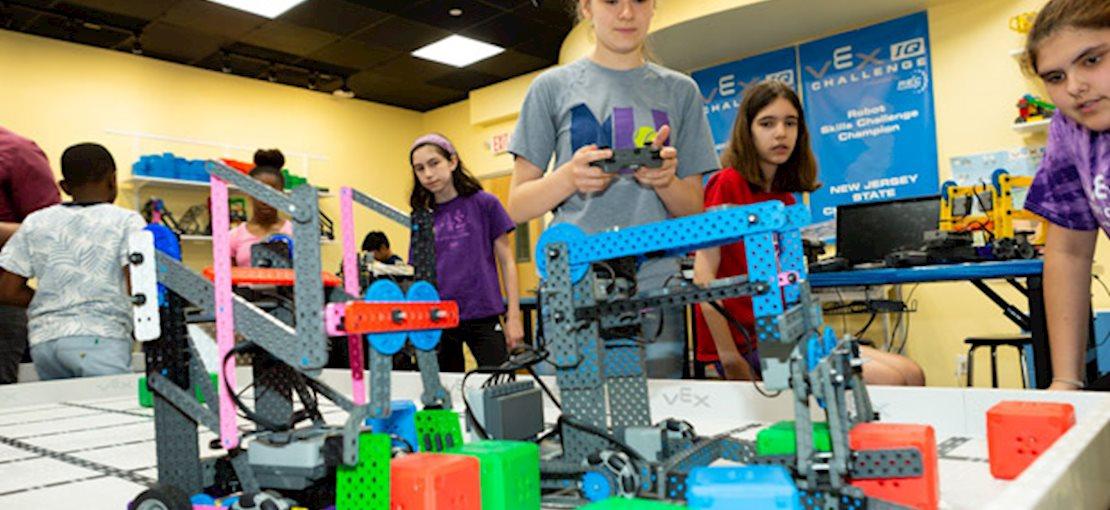 Robot Revolution Summer Camp