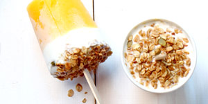 yogurt and fruit pop with granola