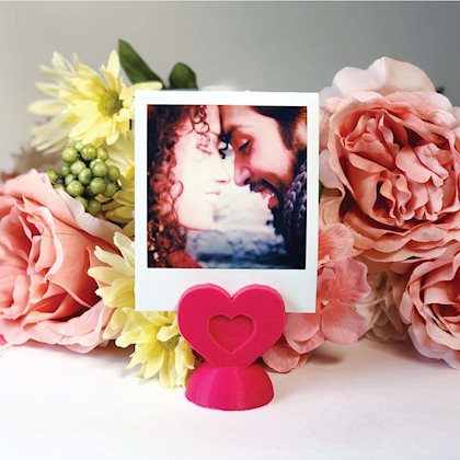 DIY Polaroid Photo Heart Stand