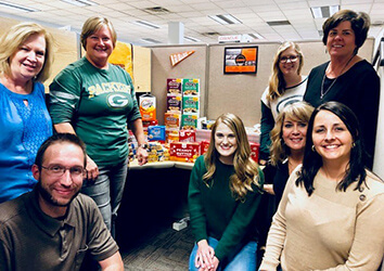 Schneider's Corporate Recruiting team makes giving back a priority.