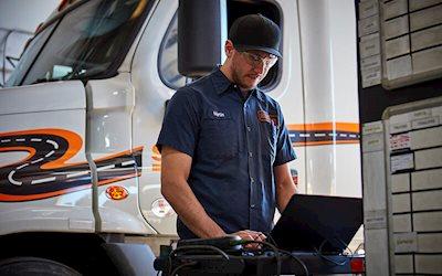 Diesel mechanic vs diesel-technician