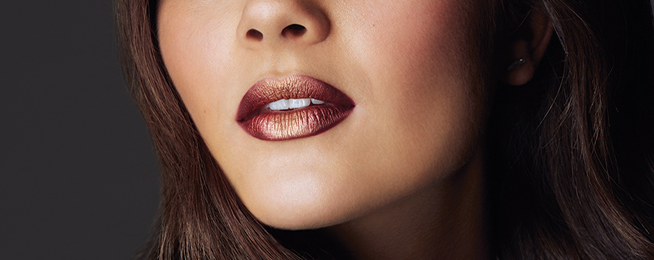 GET THE LOOK: SHIMMER LIPS