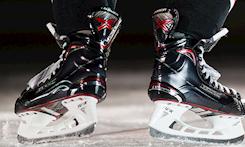 Source For Sports | Source Exclusive Bauer Vapor Skates
